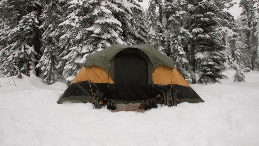 Trekking-tent-voor-in-de-herfst-en-winter