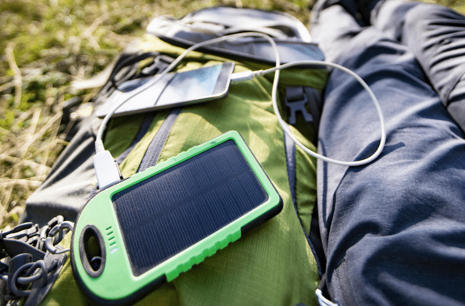 Apparatuur opladen tijdens het kamperen, fietsen en onderweg Alle opties!